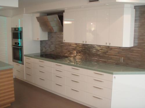 contemporary-gloss-white-kitchen